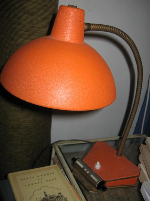 type de peinture sur cette lampe. Black Bedroom Furniture Sets. Home Design Ideas