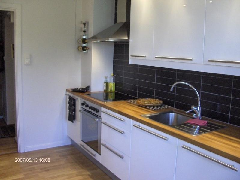 Aide pour choix couleur cuisine avec carrelage gris clair for Couleur mur avec carrelage gris