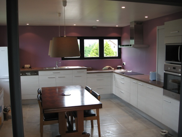 aide pour choix couleur cuisine avec carrelage gris clair. Black Bedroom Furniture Sets. Home Design Ideas