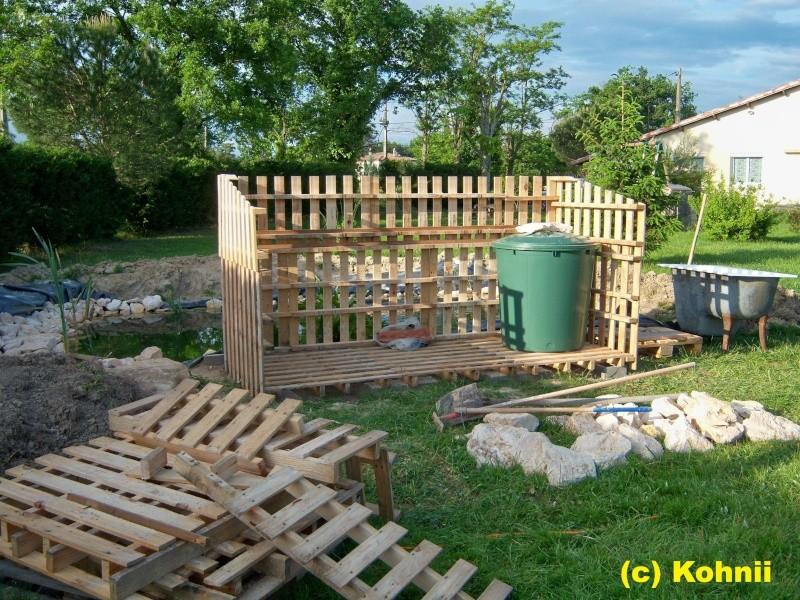Bassin avec tonneau calais maison design for Construction d un bassin de jardin avec cascade