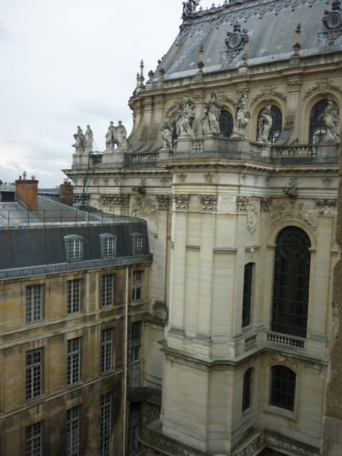 Restauration des fen tres de la cour de marbre for Fenetre sur cour casablanca